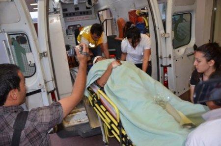 Sınır hattında akeri araç kazası: 2 er yaralı