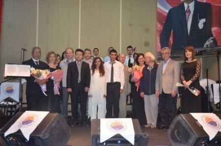 Sinop Üniversitesi personelinden Türk sanat müziği konseri