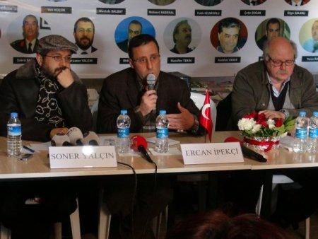 Soner Yalçın, Silivri Cezaevi önünde düzenlenen panele katıldı