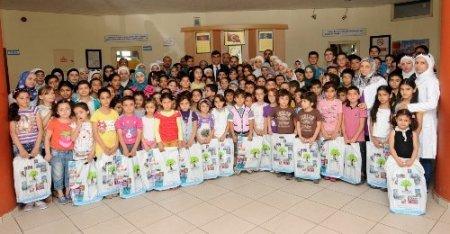 Suriyeli çocukların eğitim desteği mutluluğu