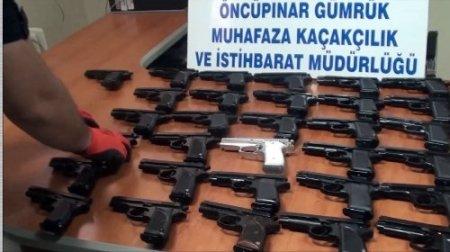 Suriye'ye giden araçta 31 adet silah ele geçirildi