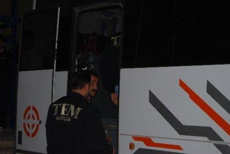 Suruç'ta 25 kilogram patlayıcıyla yakalanan 6 zanlı tutuklandı