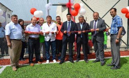Tanju Çolak, Ordu Cezaevi'nde halı sahanın açılışını yaptı