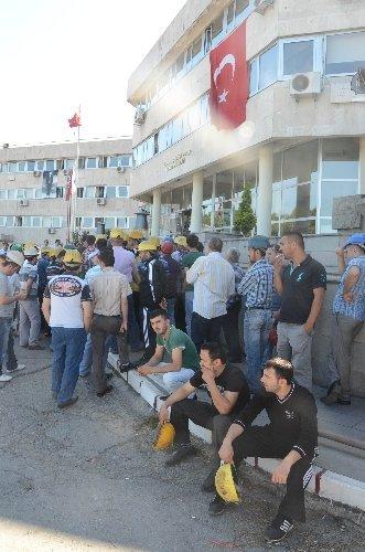 Taşeron işçiler eylem yaptı