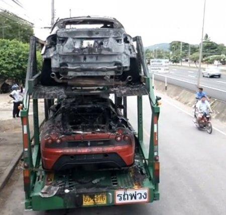 Tayland'da 3,3 milyon dolarlık 4 lüks araç yandı