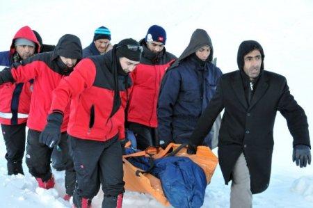 Tipiye yakalanan TEDAŞ görevlilerini, UMKE ekibi kurtardı