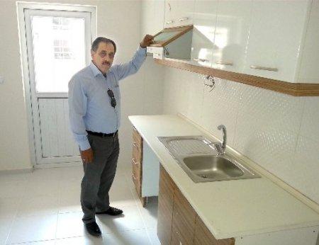 TOKİ, Akyazı'da örnek daireyi konut alacakların beğenisine sundu
