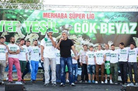 Torku Konyaspor Uğur Tütüneker'i bırakmıyor
