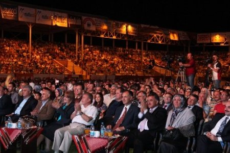 Trabzon'daki Türkçe Olimpiyatları heyecanına Gümüşhane'den ortak oldular