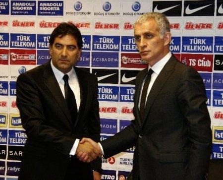 Trabzonspor'da Ünal Karaman imzayı attı