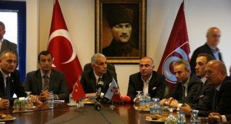 Trabzonspor'un yeni yönetimi görevi devraldı