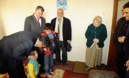 TÜMSİAD çadır kentte kalan Suriyelileri ziyaret etti