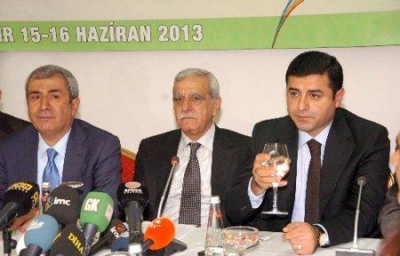 Türk: 15 Haziran'da Kürtlerin geleceğiyle ilgili kararlar alınacak