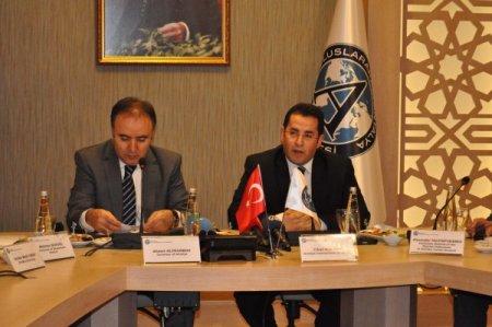 Türk ve Rus entelektüeller 2 ülke ilişkilerini masaya yatırdı