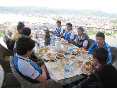Türkçe'nin çocukları Atakale'de ağırlandı