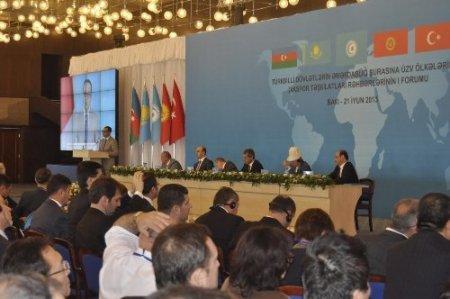 Türki cumhuriyetlerin diasporaları Bakü'de toplandı