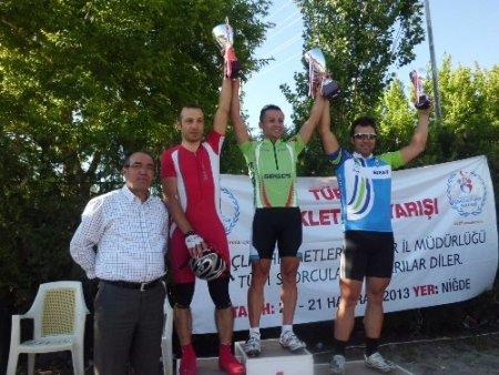 Türkiye Yol Bisikleti Şampiyonası Niğde'de başarıyla yapıldı