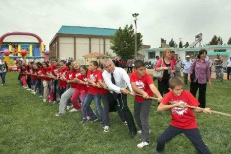 Türkiye'nin en büyük çocuk şenliği Çivril'de