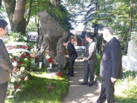 Türkiye'nin Moskova Büyükelçiliği'nden Nazım'a ziyaret