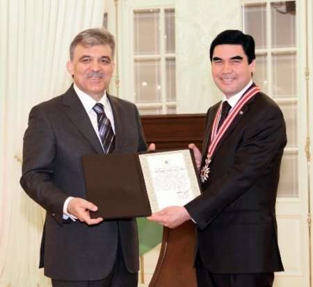 Türkmenistan, Cumhurbaşkanı Gül'ü ağırlayacak(Haber-Yorum)