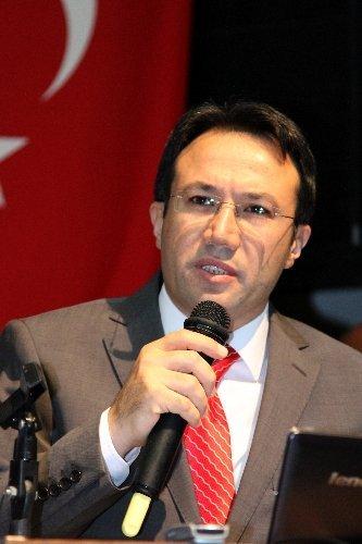 Vali Akdemir: Erzincan eğitimde başarıya susadı