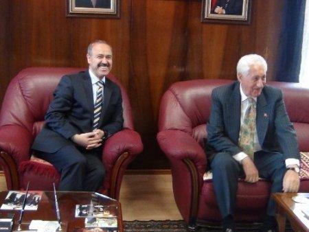 Vali Büyükersoy'dan Başkan Dede'ye iade-i ziyaret