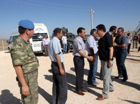 Vali Cengiz, Midyat'ta Suriyeli mülteciler için kurulan çadır kenti ziyaret etti