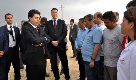 Vali Cengiz'den memurlara: Vatandaşlara güler yüz gösterin