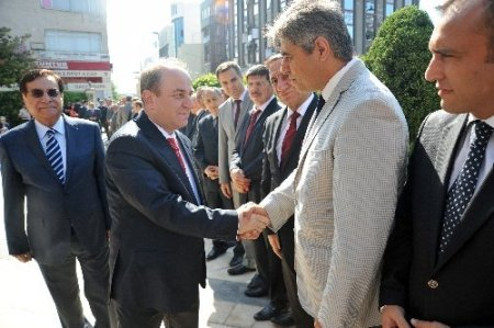 Vali Öztürk: Antalya'yı daha iyiye, ileriye götürmeyi vadediyorum
