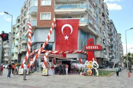 Vestel Denizli'de 20. mağazasını açtı
