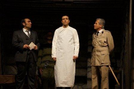Yassıada'nın dramı tiyatro sahnesine aktarıldı