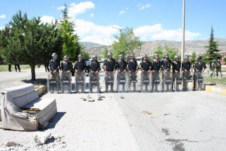 Yavuz Sultan Selim ismine tepki eyleminde protestocular polisle çatıştı