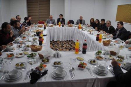 Yozgat'ta gazeteciler akşam yemeğinde bir araya geldi