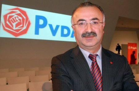 Yüksek pasaport harçları Hollandalı Türkleri zor durumda bırakıyor