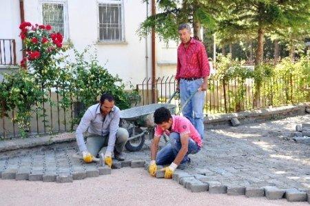 Zile'de parke çalışmaları devam ediyor