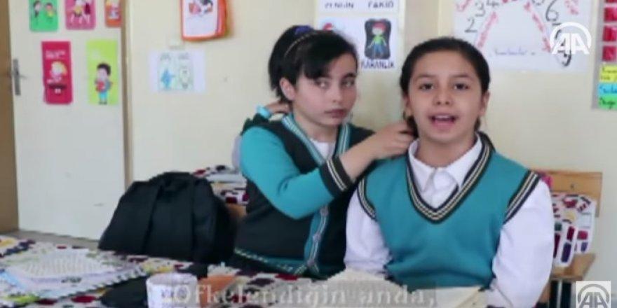 İlkokulda 'şiddete hayır' klibi