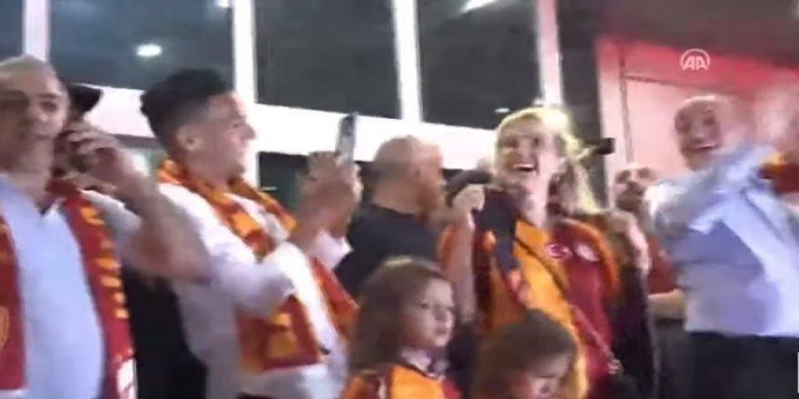 Falcao'yu Atatürk Havalimanı'nda taraftarlar karşıladı